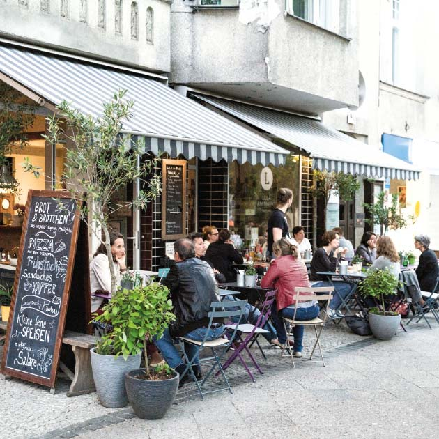 Café at Breslauer Platz in Berlin-Friedenau